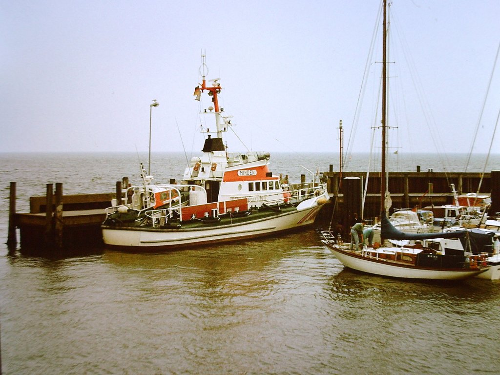 Der Rettungskreuzer Minden im Lister Hafen aufgenommen.