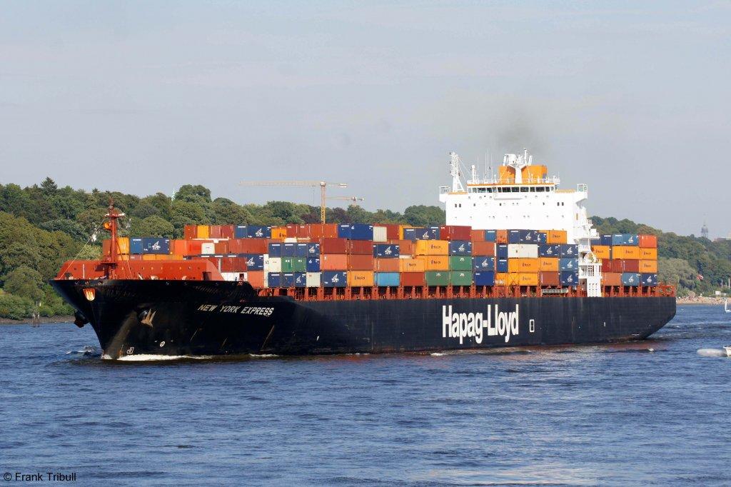 New York Express aufgenommen am 20.08.2011 bei Hamburg-Finkenwerder Höhe Rüschpark