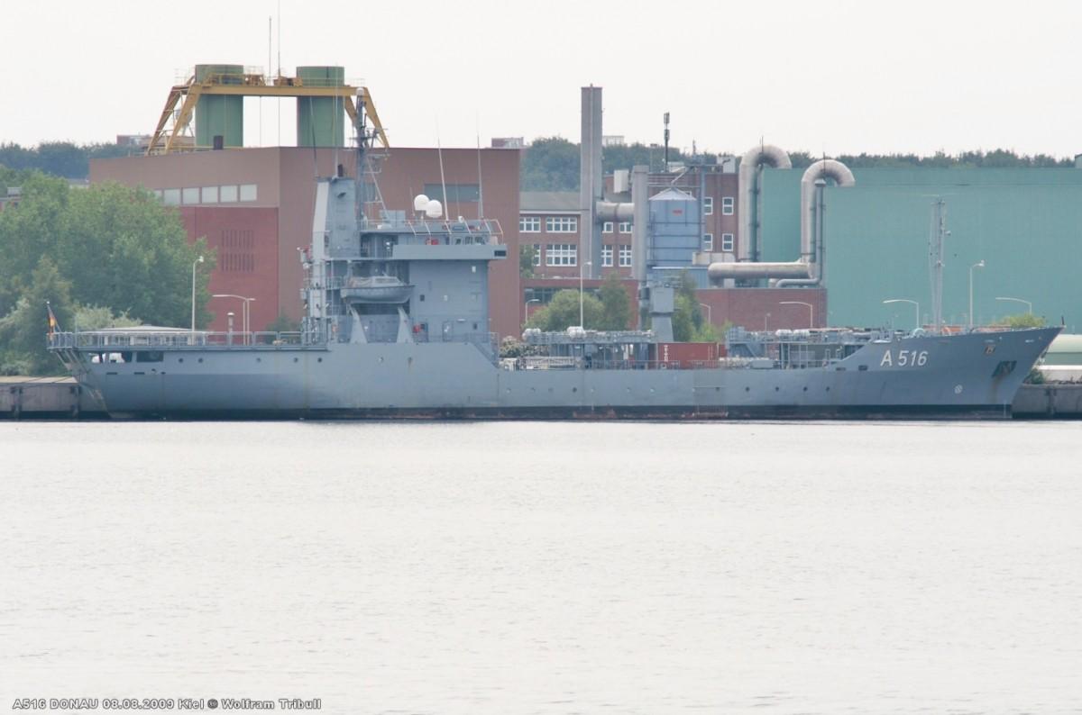 A516 DONAU am 08.08.2009 im Marinehafen Kiel