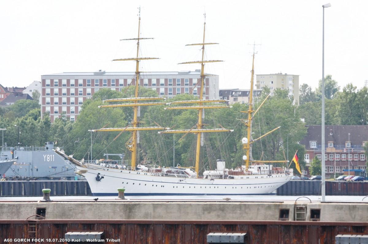 A60 GORCH FOCK am 18.07.2010 im Marinehafen von Kiel