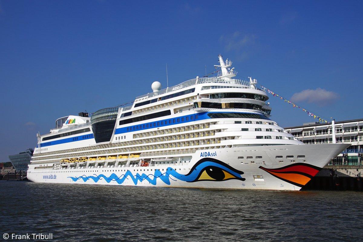 AIDAsol aufgenommen am 27.09.2018 bei Hamburg Höhe Cruise Terminal Altona