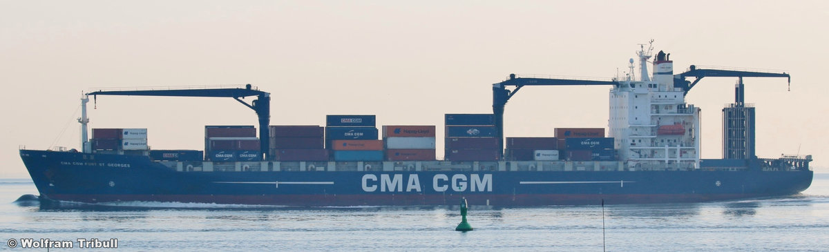 CMA CGM FORT ST GEORGES aufgenommen am 24. Juli 2016 bei Cuxhaven Höhe Altenbruch