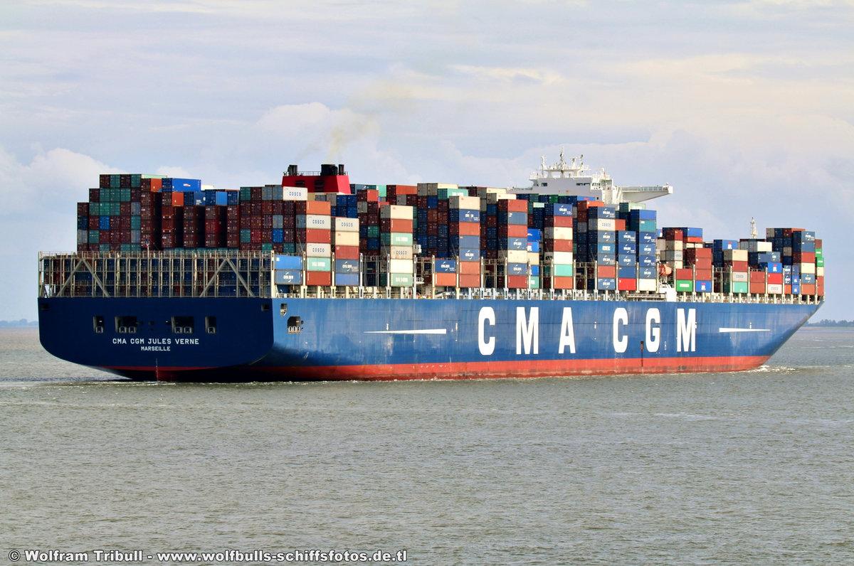 CMA CGM JULES VERNE am 10.08.2017 bei Cuxhaven Höhe Steubenhöft