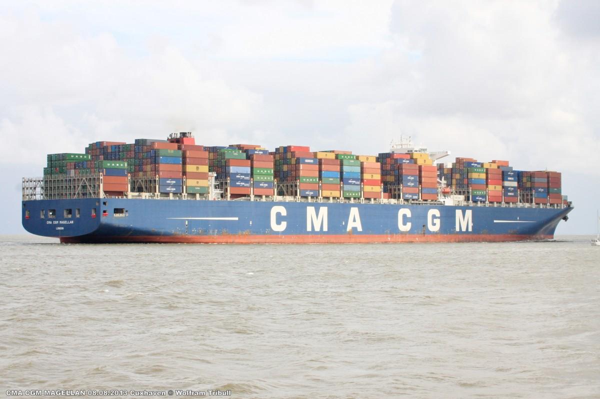 CMA CGM MAGELLAN am 08.08.2013 bei Cuxhaven Höhe Steubenhöft