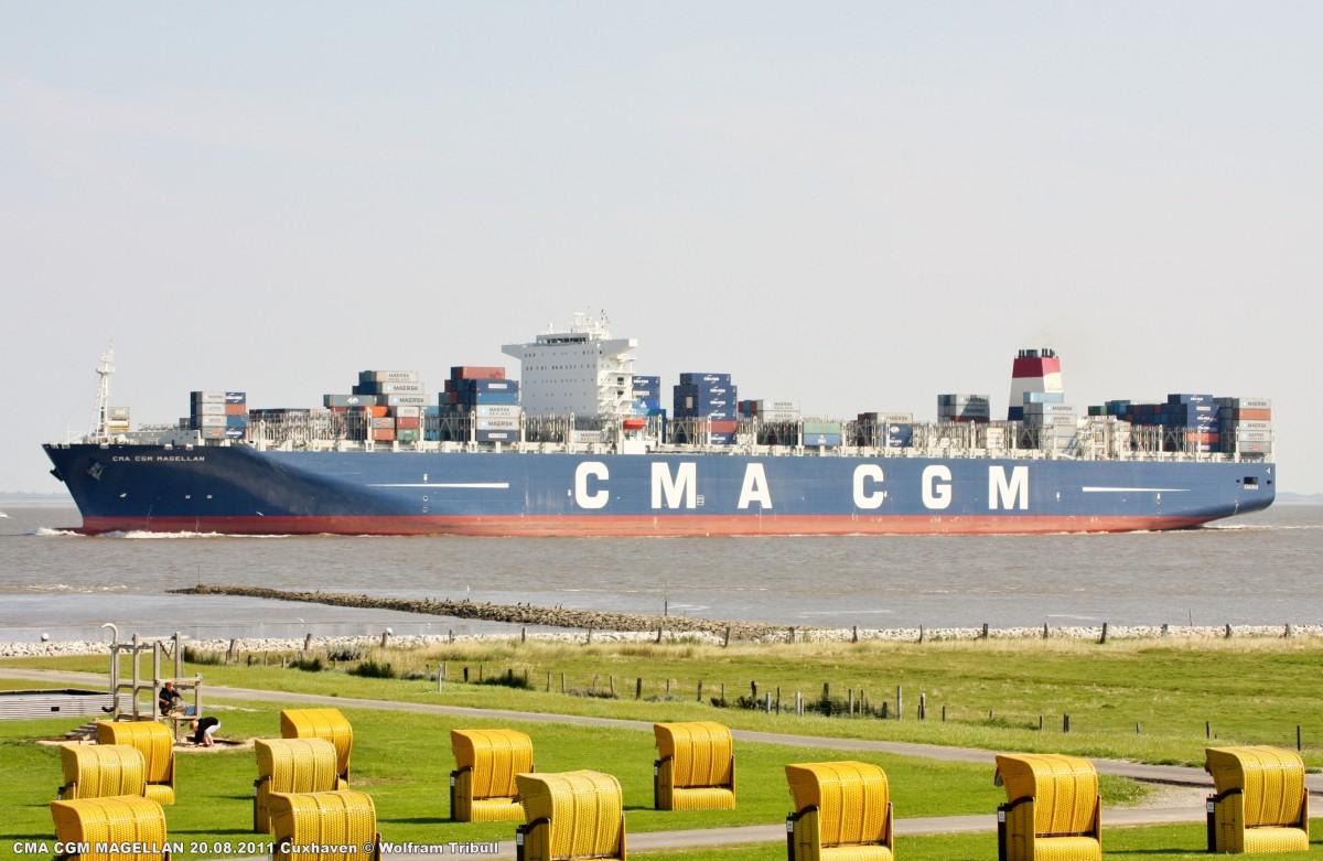 CMA CGM MAGELLAN am 20.08.2011 bei Cuxhaven Höhe Altenbruch