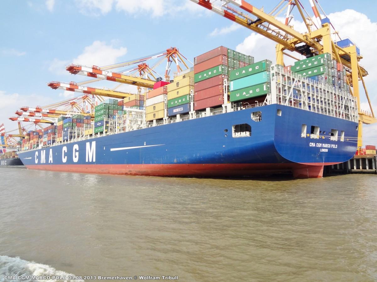 CMA CGM MARCO POLO aufgenommen am 03.08.2013 bei Bremerhaven Höhe Container Terminal Eurogate