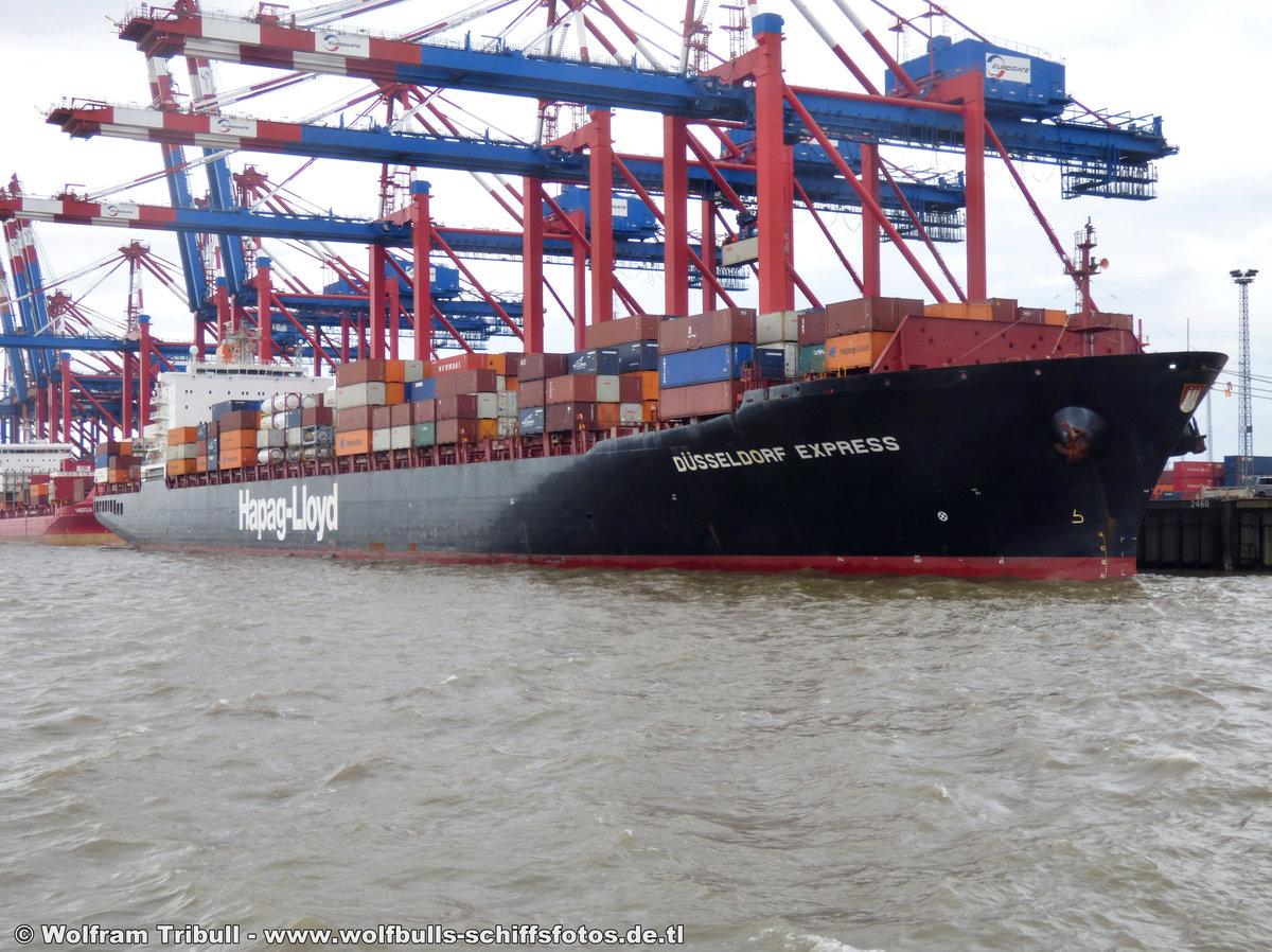 DÜSSELDORF EXPRESS aufgenommen am 14. August 2014 bei Bremerhaven Höhe Container Terminal Eurogate