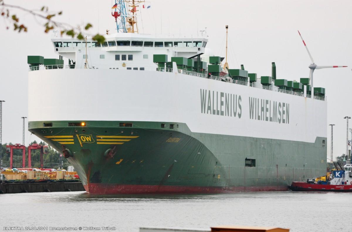 ELEKTRA am 22.08.2011 im Hafen von Bremerhaven