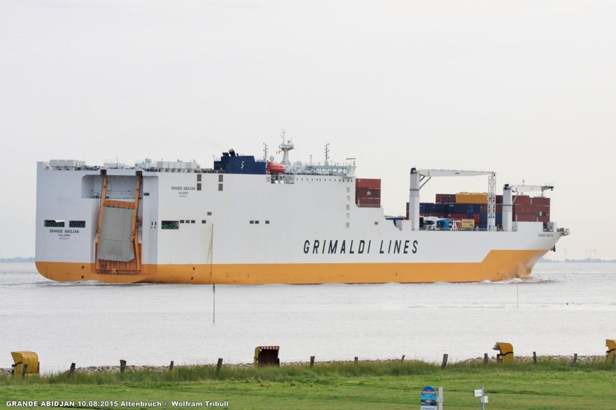 GRANDE ABIDJAN aufgenommen bei Cuxhaven Höhe Altenbruch am 10.08.2015