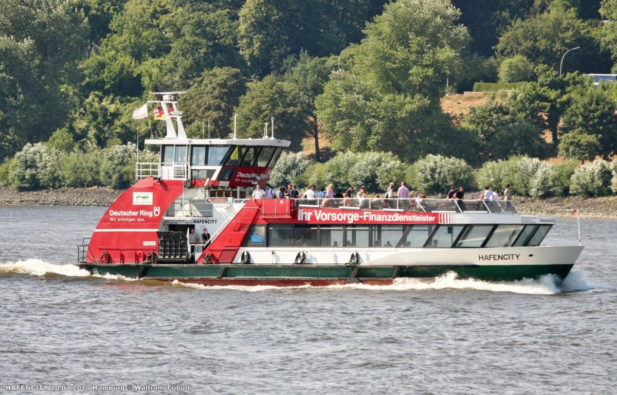 HAFENCITY am 20.07.2010 bei Hamburg-Finkenwerder Höhe Rüschpark