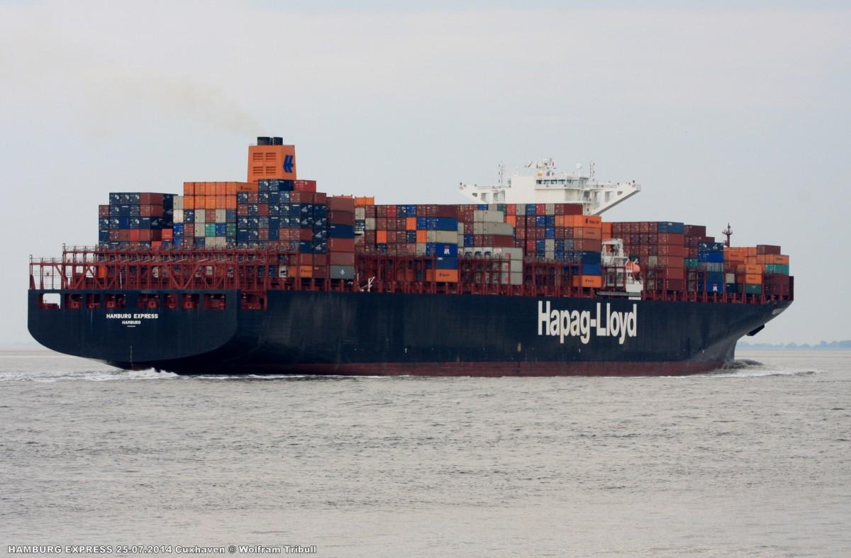 HAMBURG EXPRESS aufgenommen am 25.07.2014 bei Cuxhaven Höhe Steubenhöft