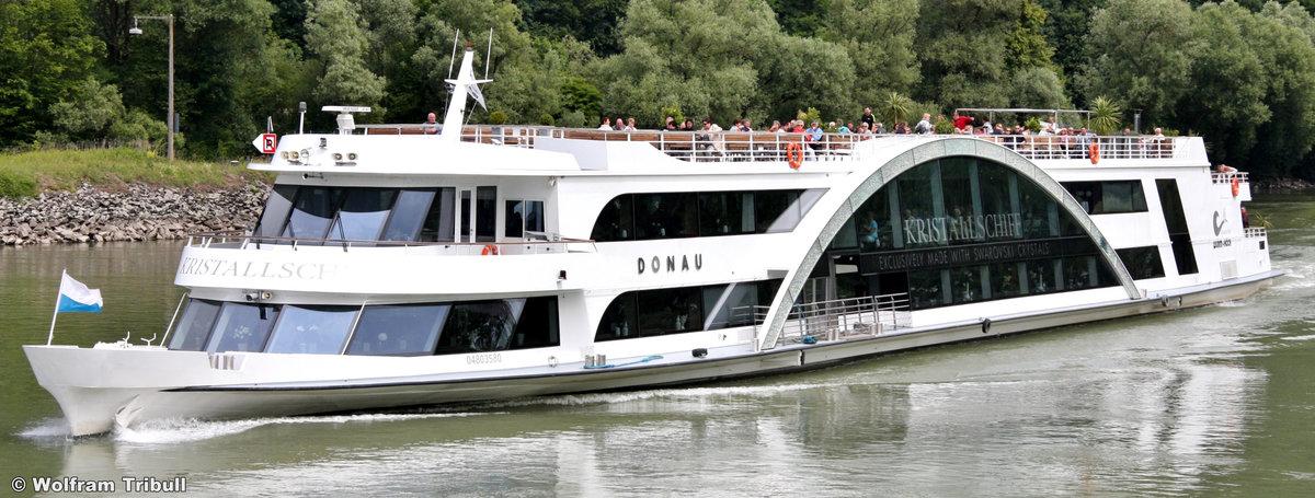 KRISTALLSCHIFF DONAU am 12. Juni 2011 auf der Donau bei Passau-Lindau