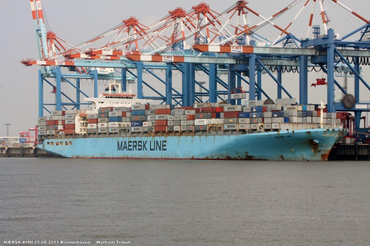 MAERSK KIMI aufgenommen am 25.08.2011 bei Bremerhaven Höhe Container Terminal NTB