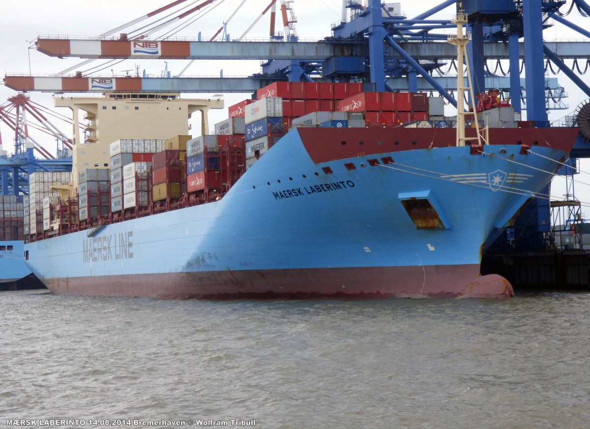MAERSK LABERINTO aufgenommen am 14.08.2014 bei Bremerhaven Höhe Container Terminal NTB