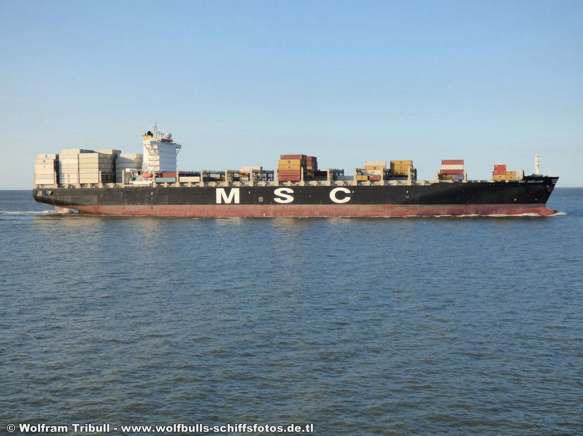 MSC ADELAIDE aufgenommen am 21. Juli 2017 bei Cuxhaven Höhe Steubenhöft