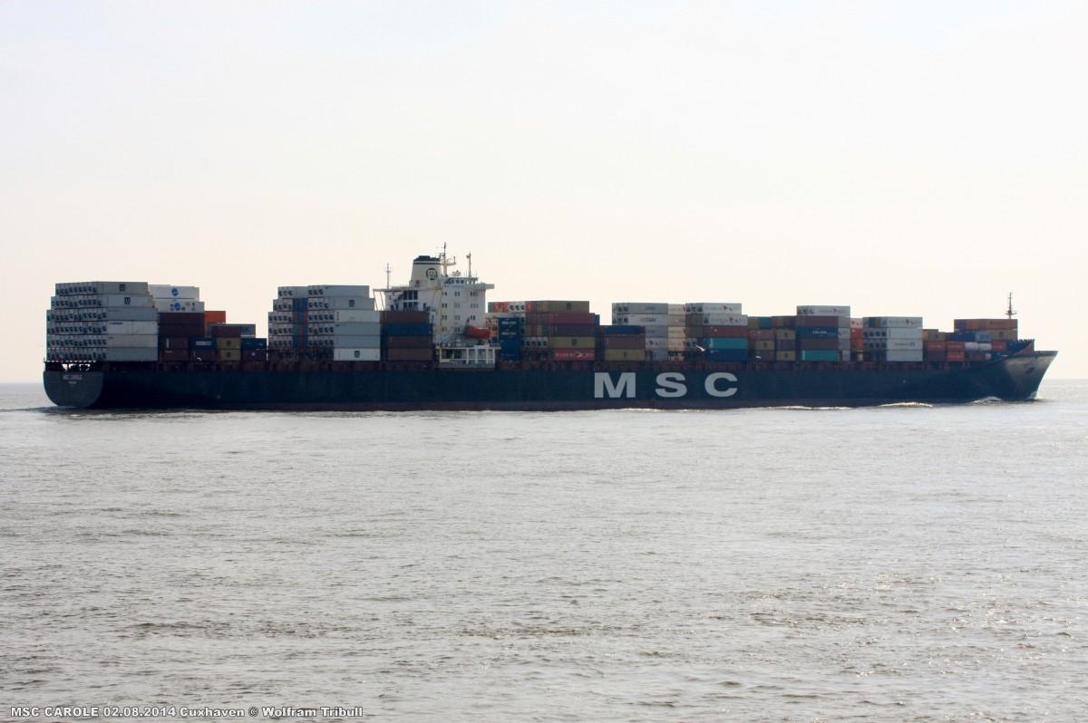 MSC CAROLE aufgenommen am 02.08.2014 bei Cuxhaven Höhe Steubenhöft