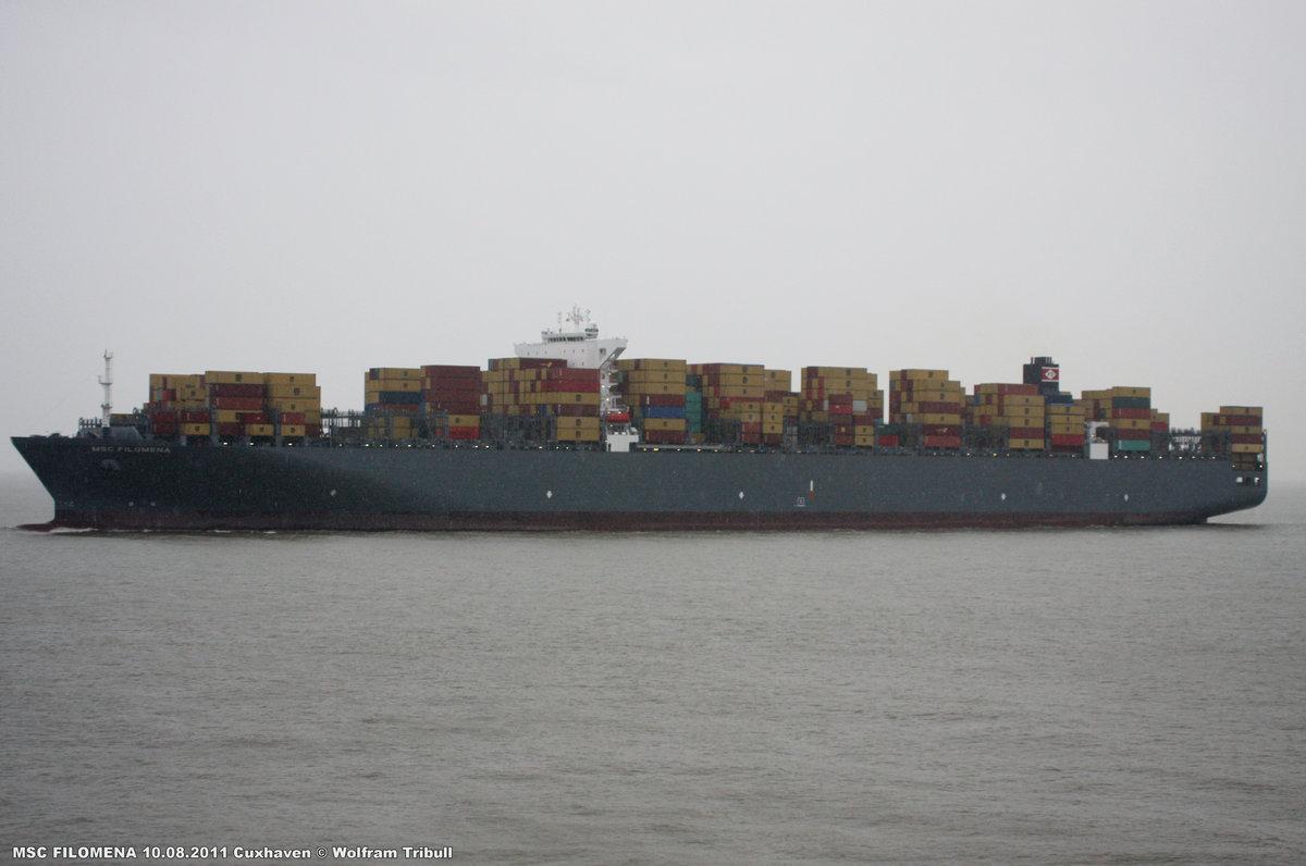 MSC FILOMENA aufgenommen am 10.08.2011 bei Cuxhaven Höhe Steubenhöft