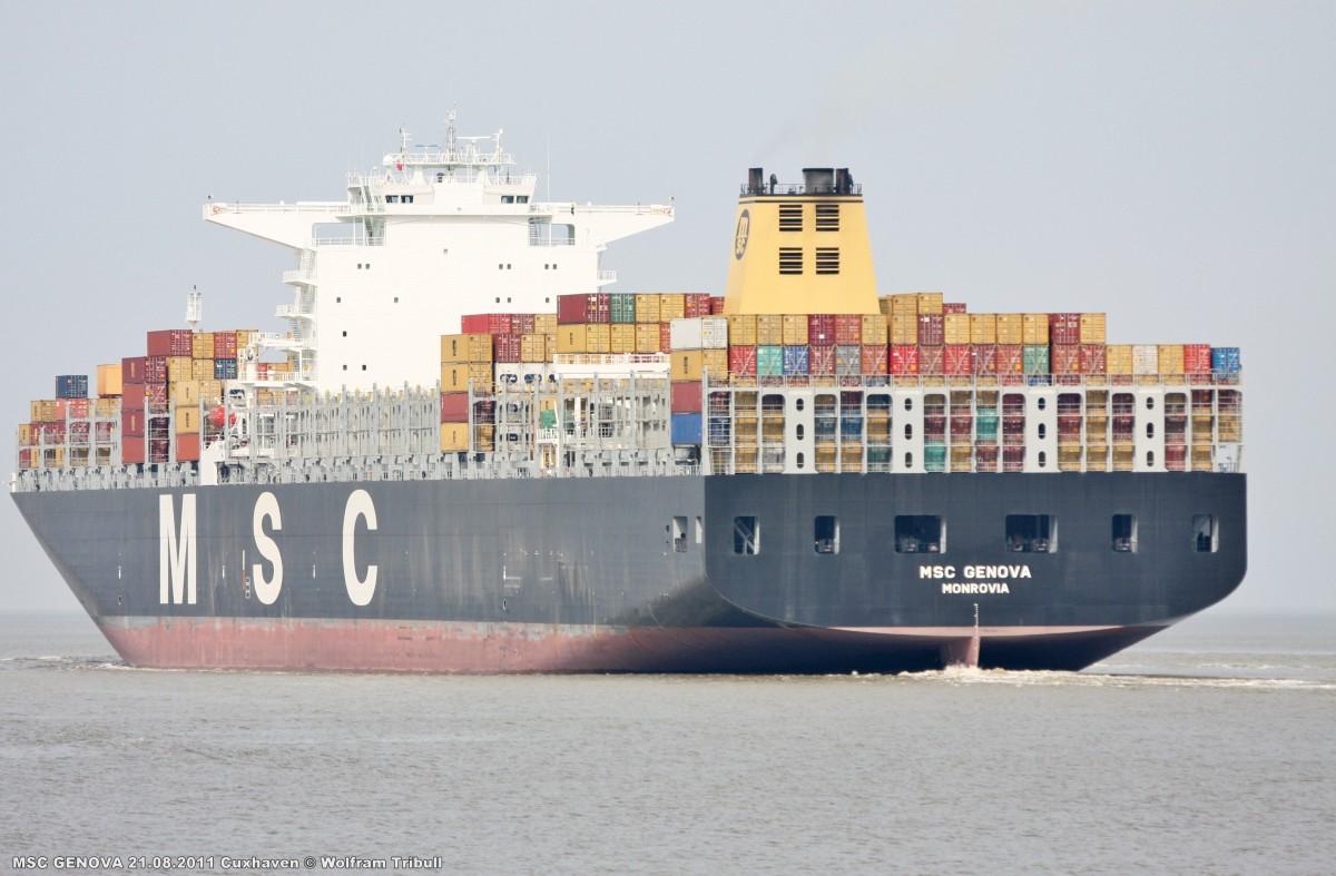 MSC GENOVA am 21.08.2011 bei Cuxhaven Höhe Steubenhöft