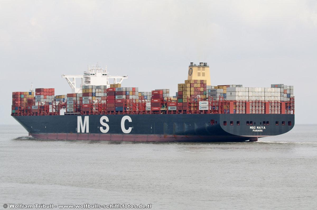 MSC MAYA aufgenommen am 24. Juli 2017 bei Cuxhaven Höhe Steubenhöft