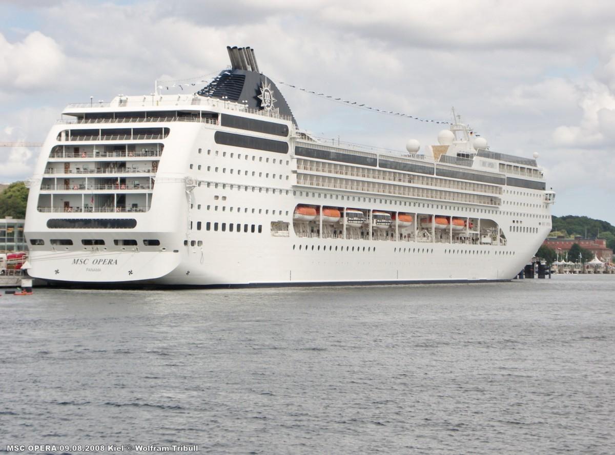 MSC OPERA am 09.08.2008 bei Kiel Höhe Cruise Terminal Ostseekai