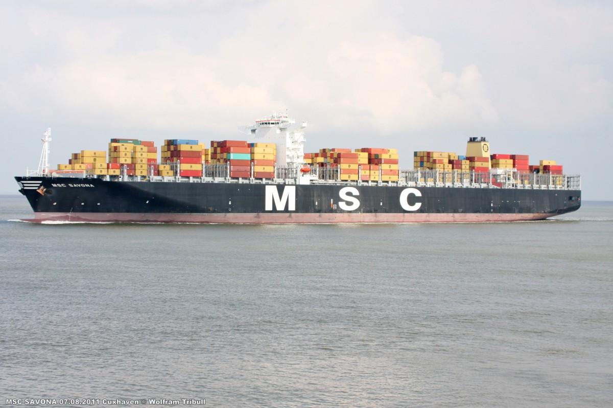 MSC SAVONA am 07.08.2011 bei Cuxhaven Höhe Steubenhöft