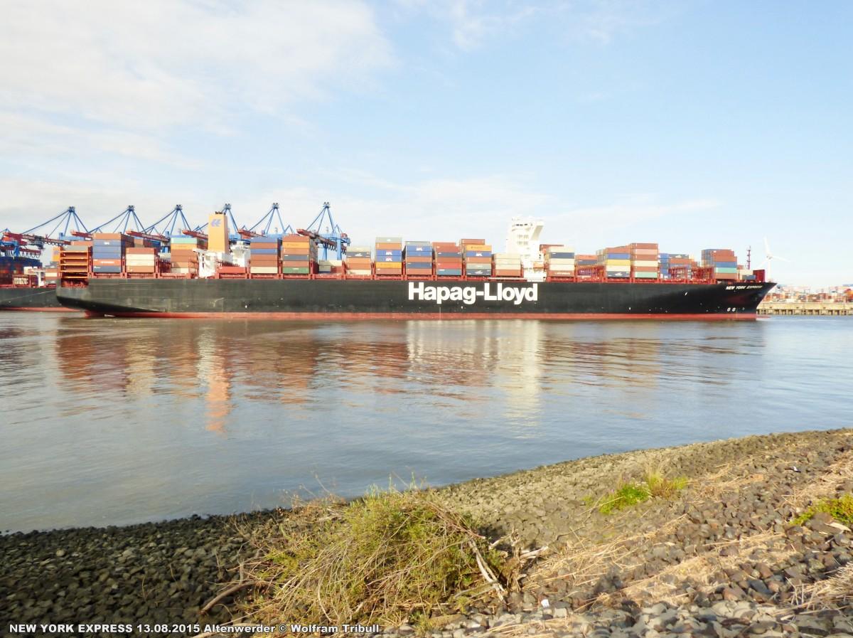 NEW YORK EXPRESS aufgenommen bei Hamburg Höhe Container Terminal Altenwerder am 13.08.2015