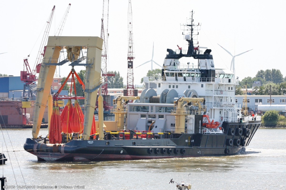 ORCUS am 16.07.2010 in Cuxhaven bei der Mützelfeldwerft