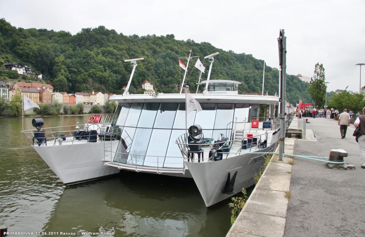 PRIMADONNA am 12.06.2011 auf der Donau bei Passau Höhe Anleger 14