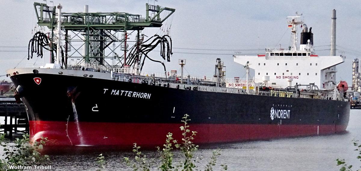 T MATTERHORN am 31. August 2019 bei Hamburg Höhe Tankhafen