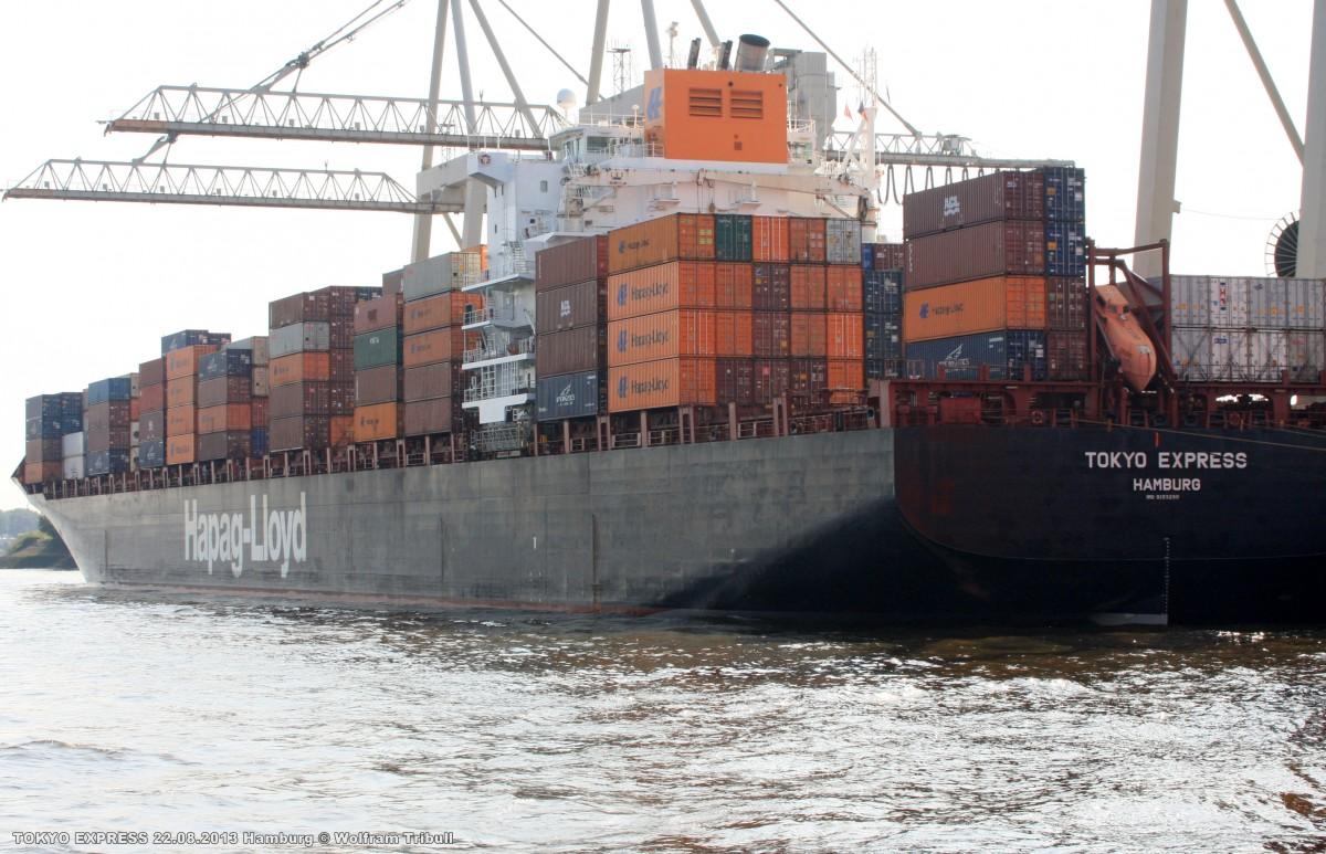 TOKYO EXPRESS aufgenommen am 22.08.2013 bei Hamburg Höhe Container Terminal Burchardkai