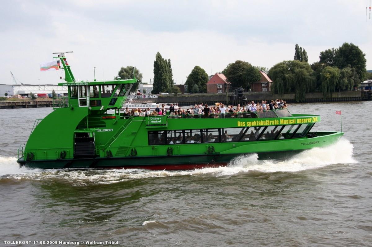 TOLLERORT aufgenommen bei Hamburg Höhe St. Pauli-Landungsbrücken am 17.08.2009