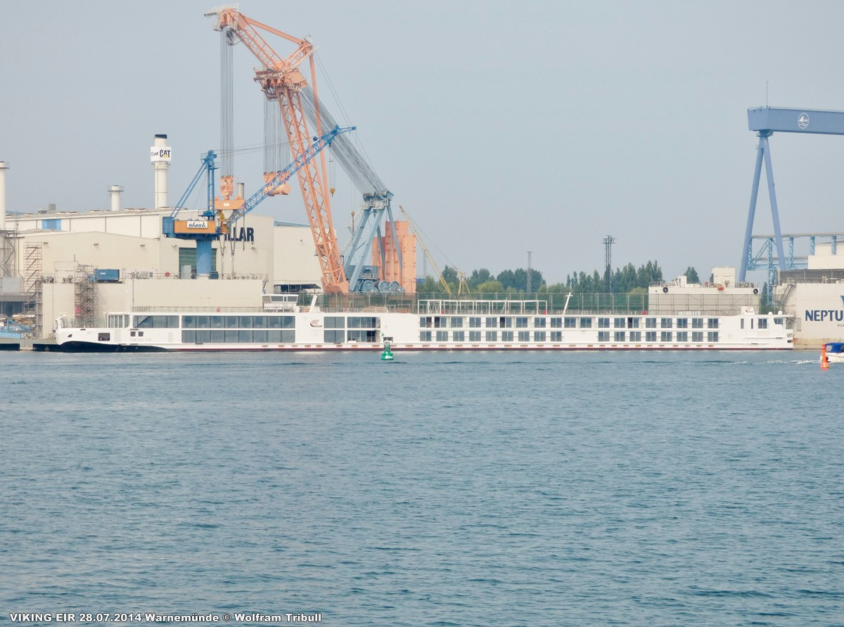 VIKING EIR am 28.07.2014 bei Rostock Höhe Neptun Werft Warnemünde